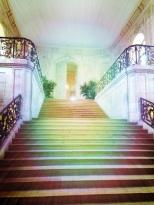 La perspective colorée de l'escalier menant à la salle des Etats du Palais des Ducs de Dijon