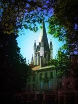 Clocher Notre Dame depuis square Palais des Ducs