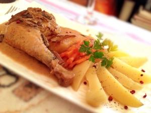 Poulet de Bourgogne, sauce aux morilles et légumes vapeur